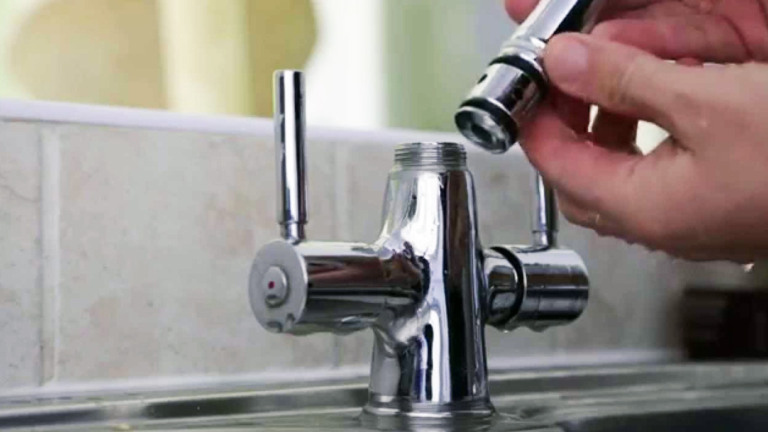 Fixing a leaking tap
