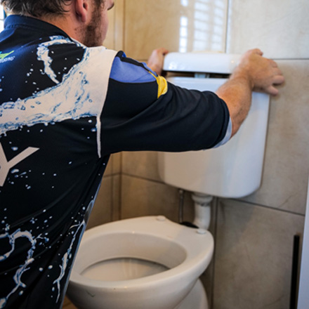 Jetset Plumbing clears Blocked Toilets
